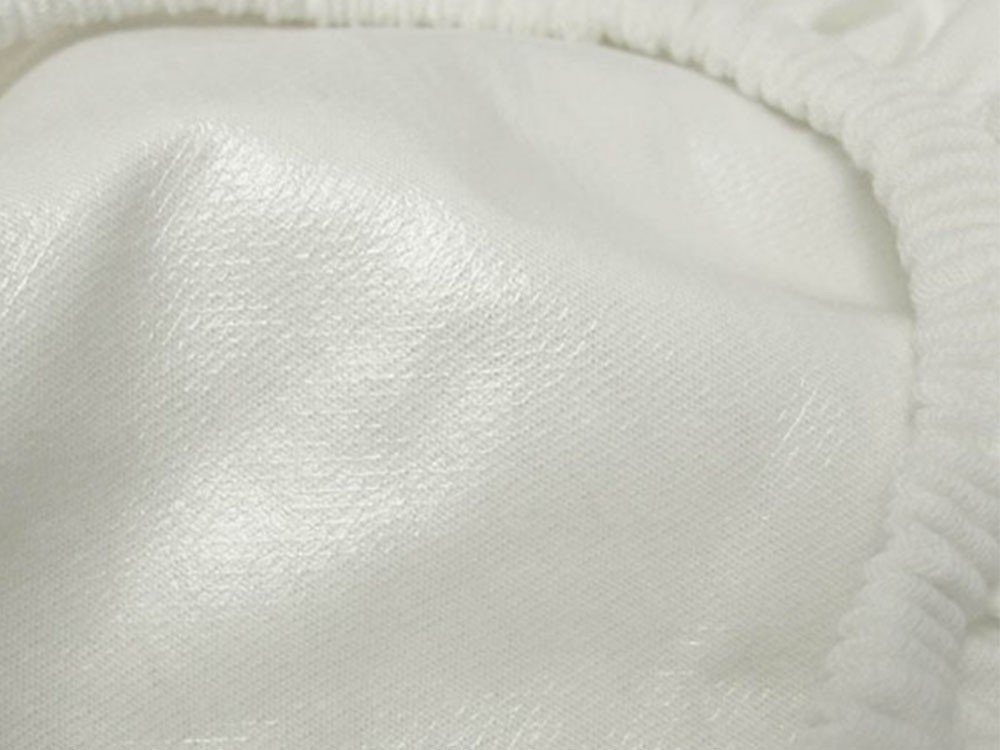 Mattress Protector With Organic Cotton Jersey Sleeping